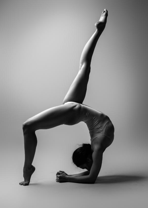 figure-yoga